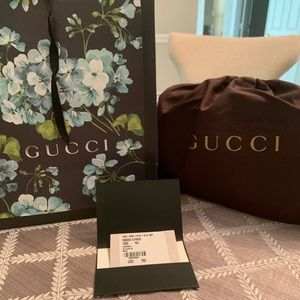 Authentic New Gucci Soho Disco textured leather.